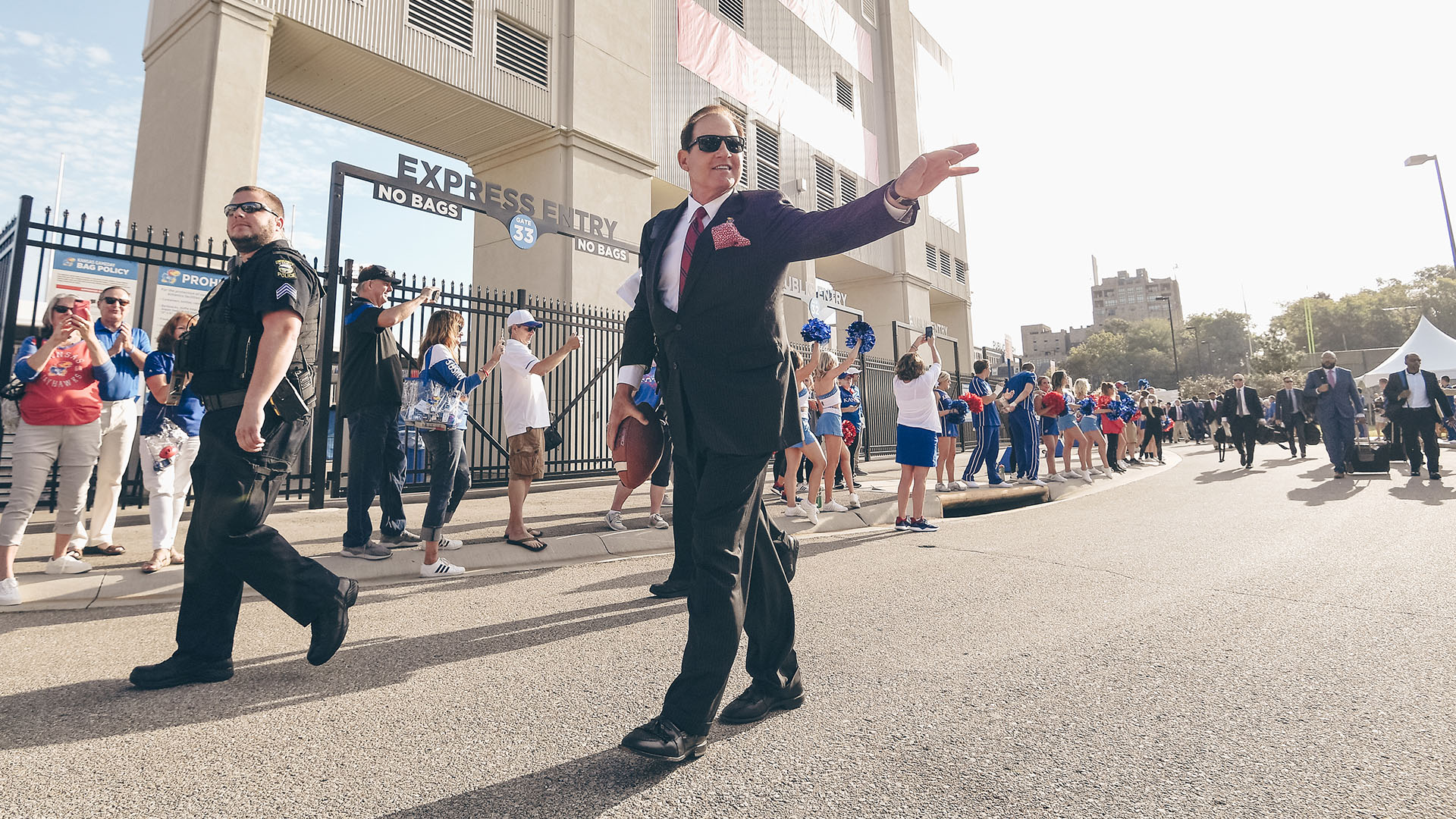 les miles wave hawk walk indiana state